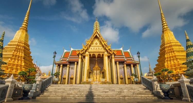 Daftar Kuil Buddha Terkenal di Bangkok yang Wajib Anda Kunjungi